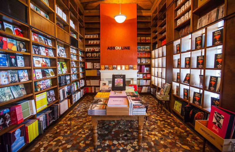 Books and Books Coral Gables Shopping